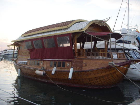 TEAK WOOD - LadyBen Classic Wooden Boats for Sale